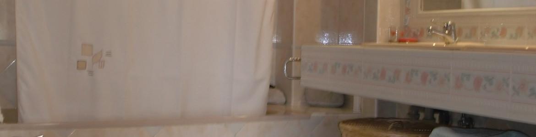 048 Master bathroom (second floor) Nueva Carteya