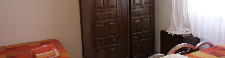 090 Closet space (third floor) Nueva carteya